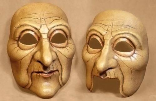 Masque theatre vieille femme